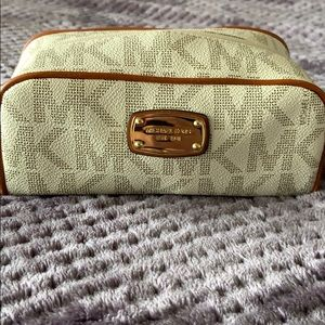‼️Makeup bag travel case . Perfect size and style